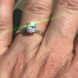 Jewelry - Gorgeous 1 ct CZ set in Sterling Silver